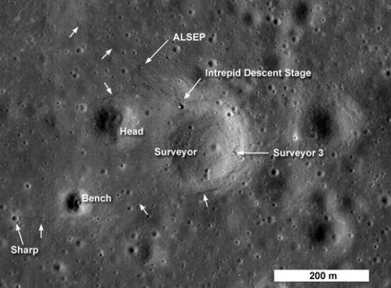 126 Спутниковые фотографии мест посадки модулей Apollo (Аполлон) на Луне
