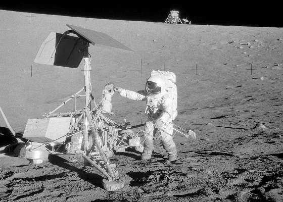 311 Спутниковые фотографии мест посадки модулей Apollo (Аполлон) на Луне