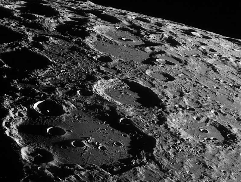 Фото поверхности луны высокого разрешения