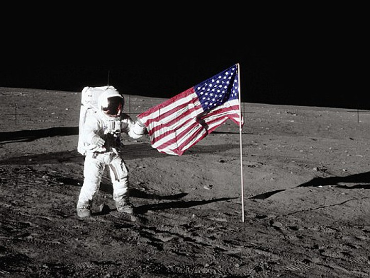amerikan_moon_1