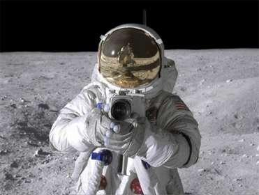 фотоаппарат на Луне