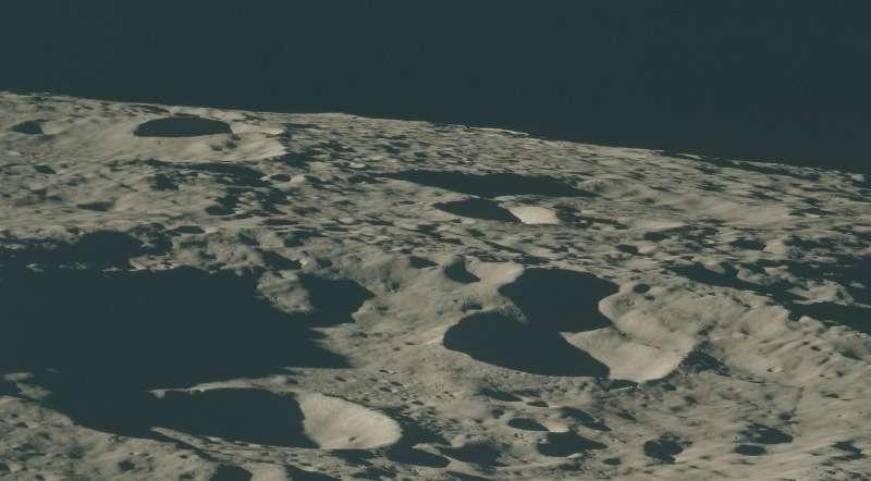 luna-apollo-17